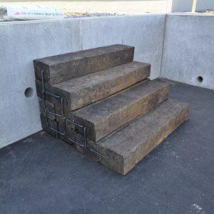 枕木階段出現!!